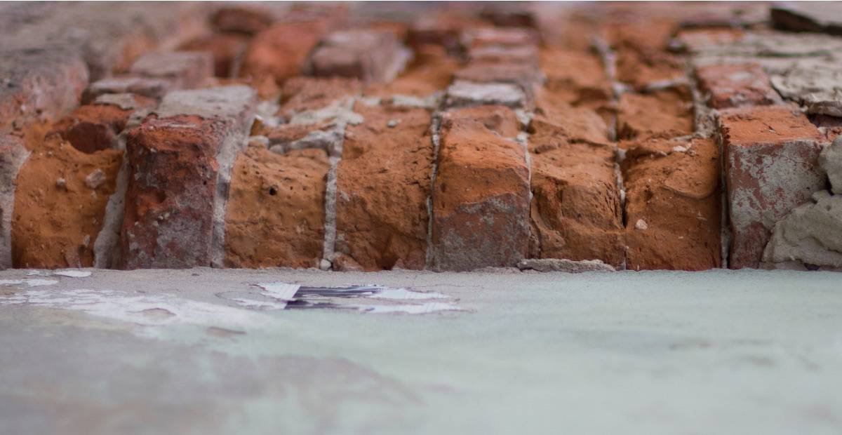 What is brick spalling